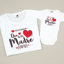 Pack 2 Prendas Mamá Nuestro primer día de la madre juntos corazones rojo